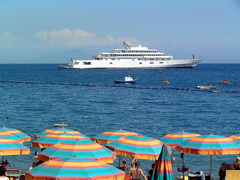 amal umbrellas boat.JPG