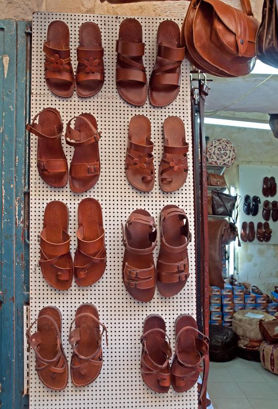 P7072325_sandals2_800.jpg