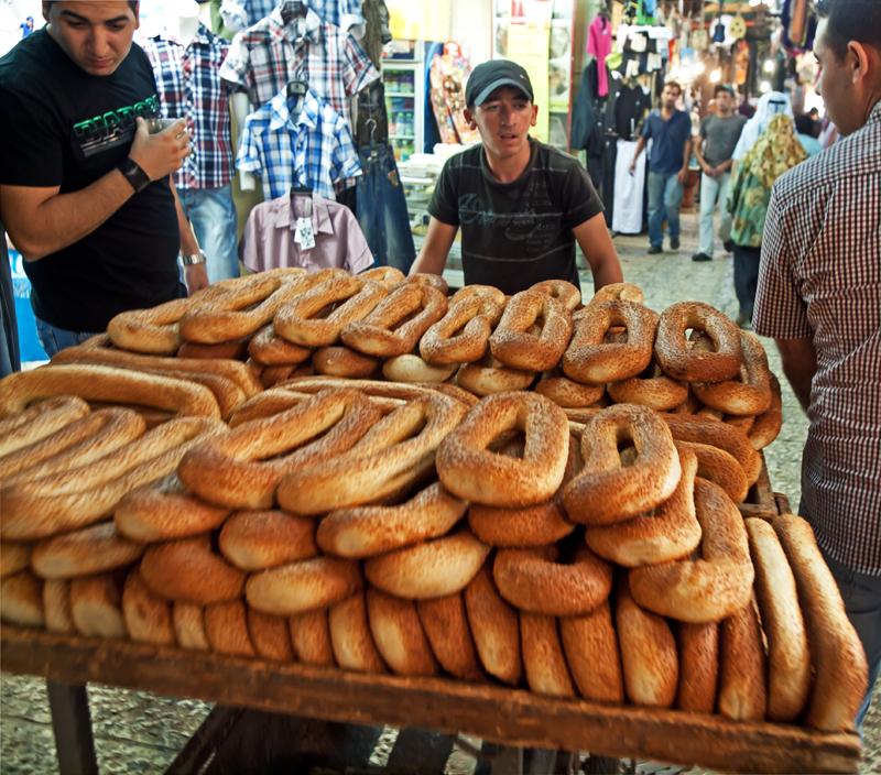 P7072355_breadcart_800.jpg