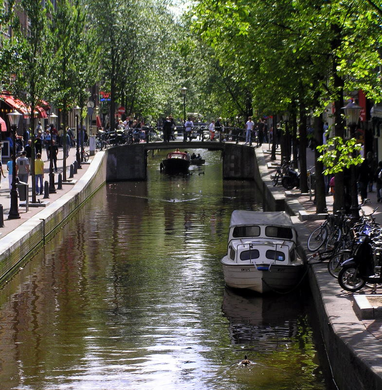 ams canal boats2.JPG