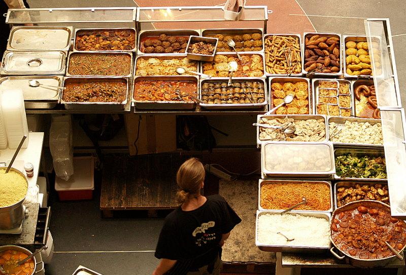 Israel Dizengoff center food trays2.JPG