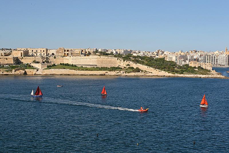 Valleta 49