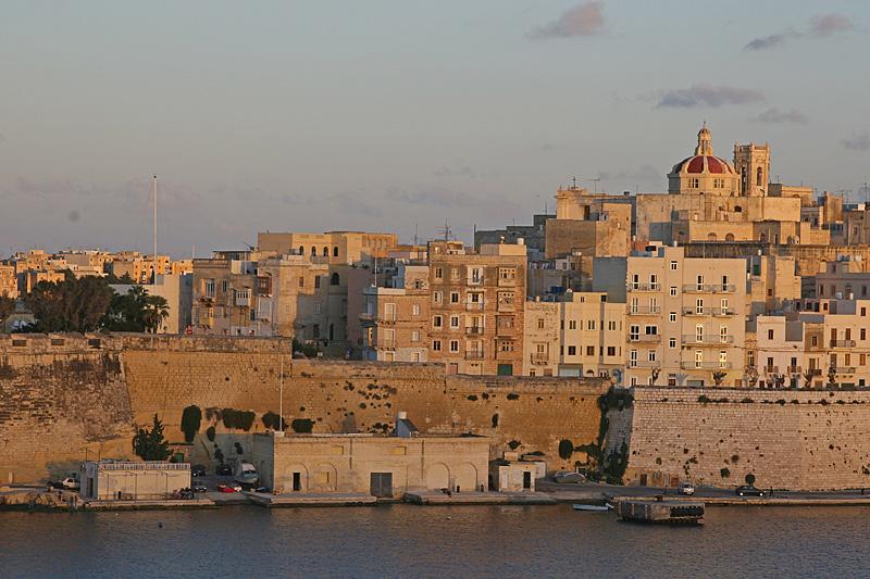 Valleta 73