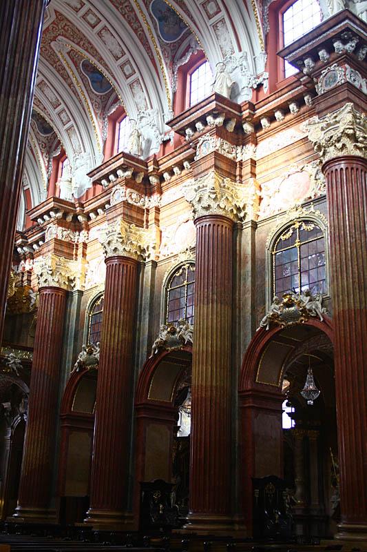 Collegiate Parish Church of St. Stanislaus - Interior