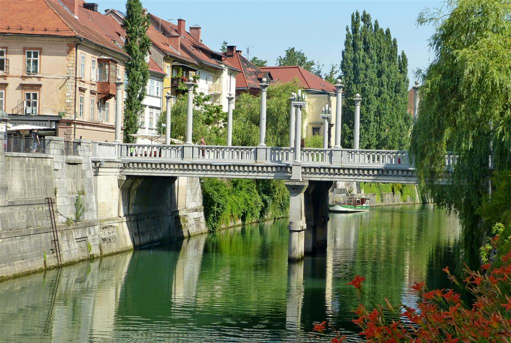 200 Cobblers Bridge, Ljubljana.jpg