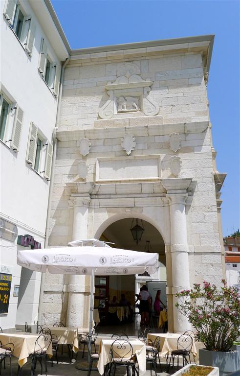 428 St Georges Gate, Tartinijev trg, Piran.jpg