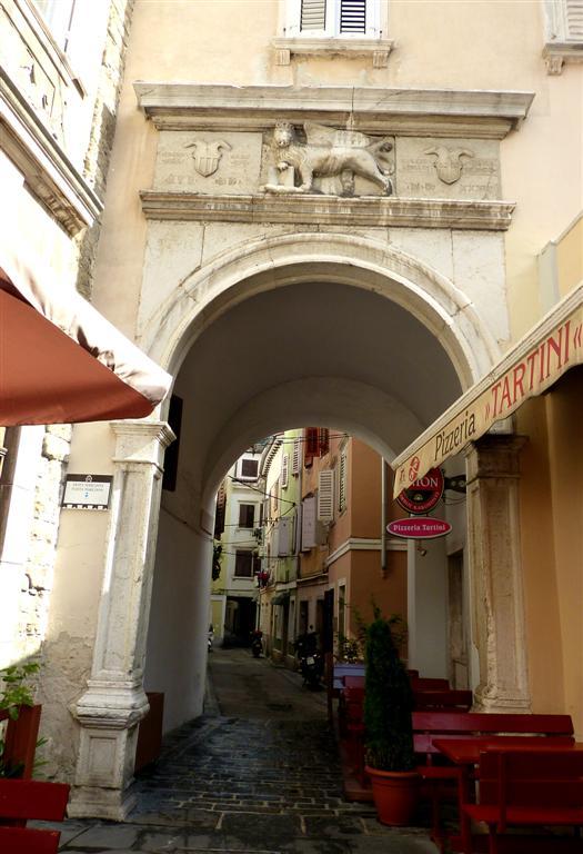 543 Porta Marciana, Piran.jpg