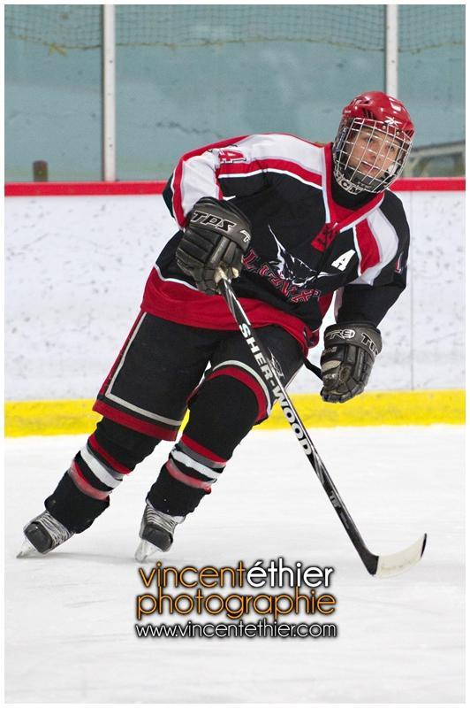 VE1101154-0024-hockey AA.jpg
