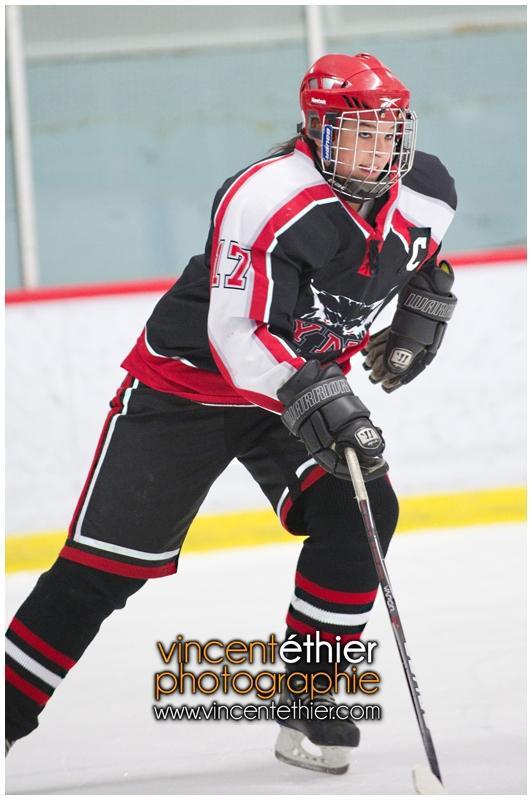 VE1101154-0037-hockey AA.jpg