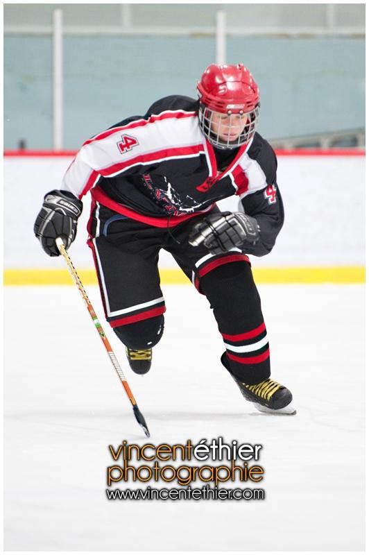 VE1101154-0046-hockey AA.jpg
