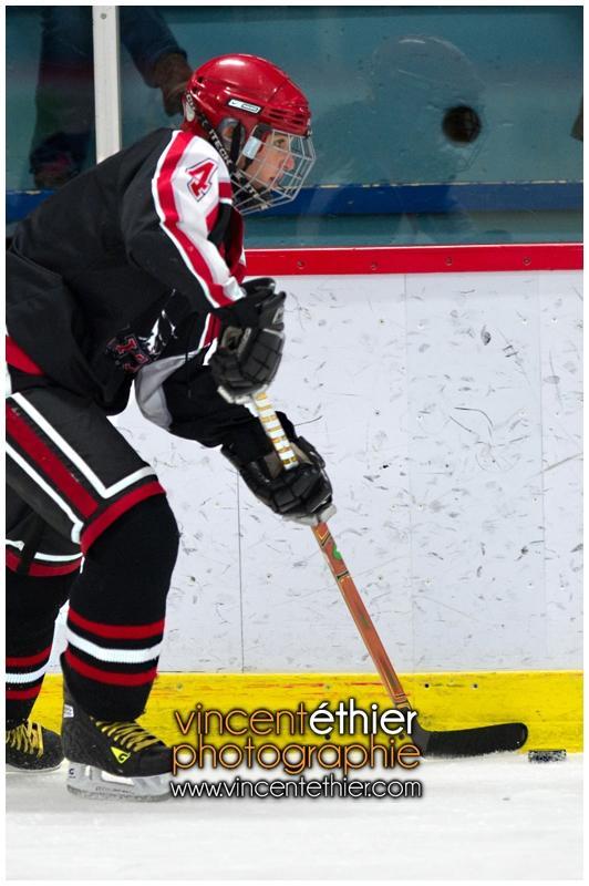 VE1101154-0146-hockey AA.jpg