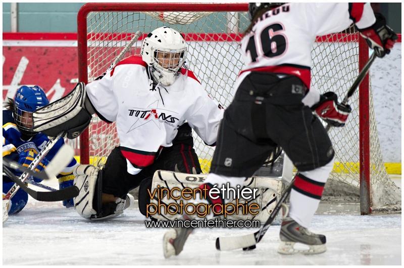 VE1101154-0226-hockey AA.jpg