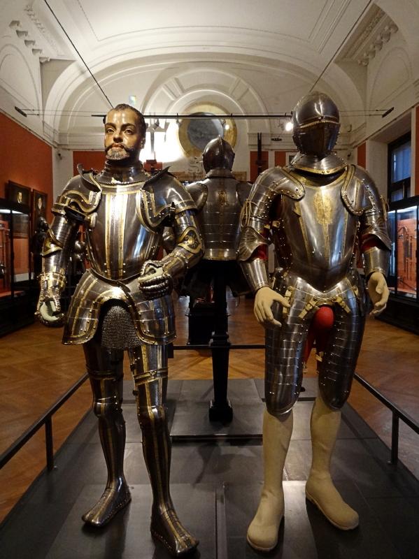 Impressionnante collection des armes et armures du Neue Burg