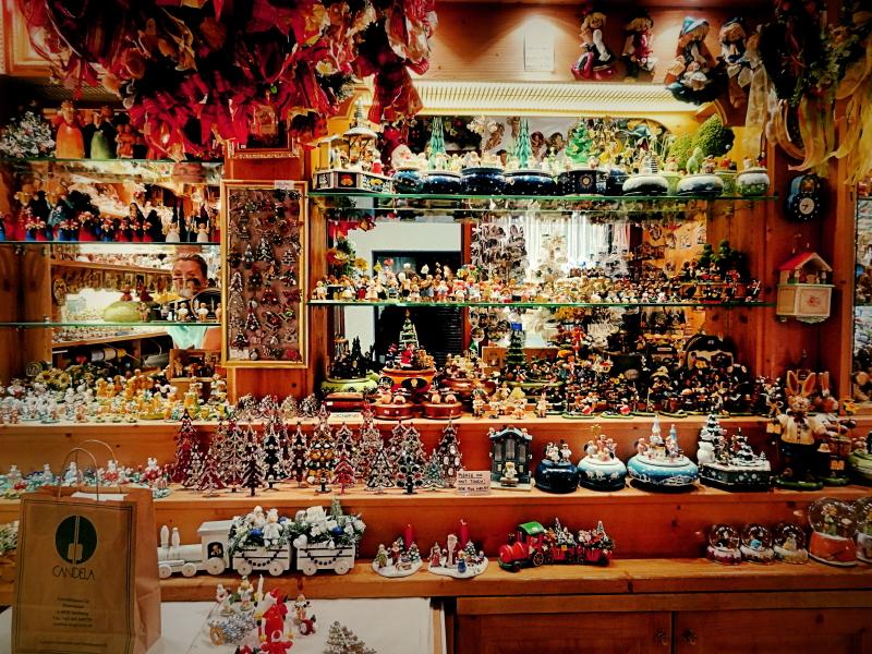 Vitrine dune boutique de Noël de Salzbourg