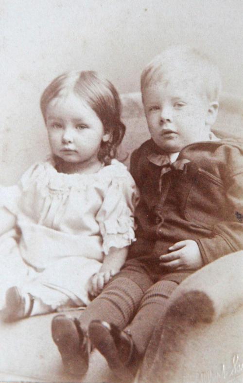 137 Hilda Goldthorp 1880-1962 and Robert Goldthorp 1878-1954.jpg