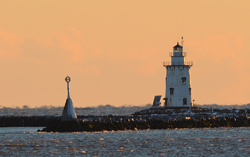 Saybrook Point Light_7592.jpg