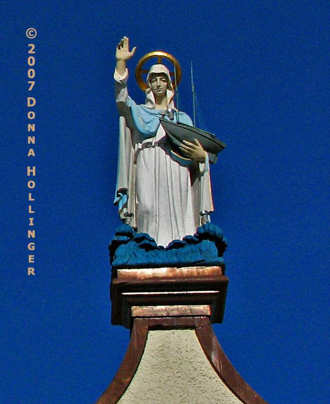 Virgin Mary Statue on a Gloucester Church