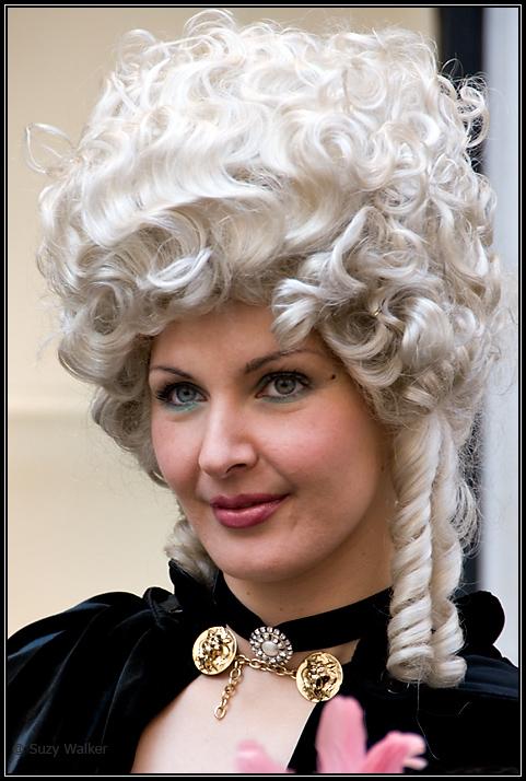 Do you like my wig Sir?