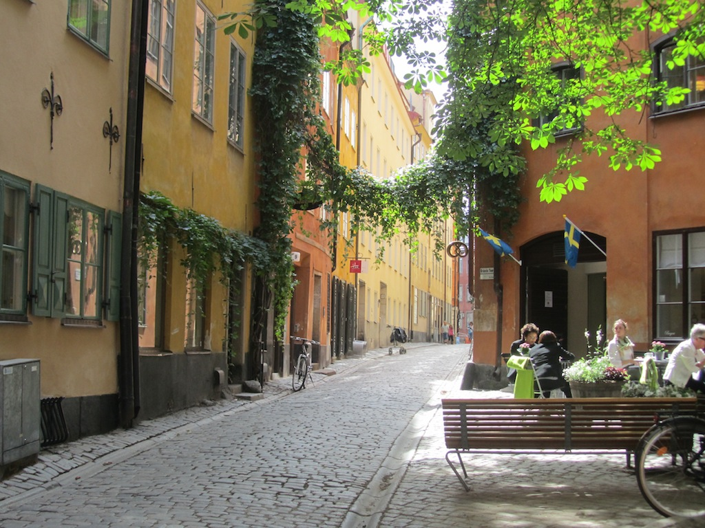 it has some lovely 16th-c. streets and squares