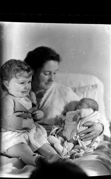 Mum Lorna and Elaine_glass neg (Medium).jpg
