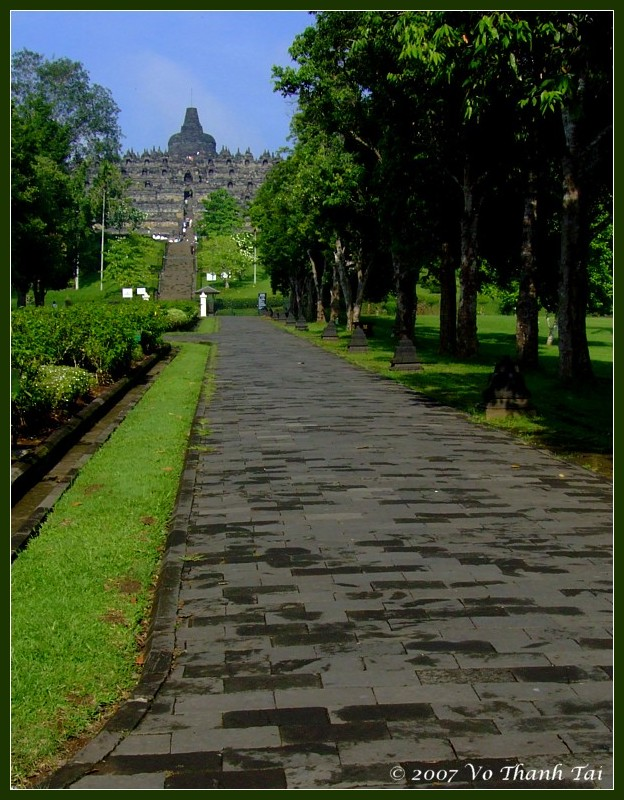 Heading to Borodudur