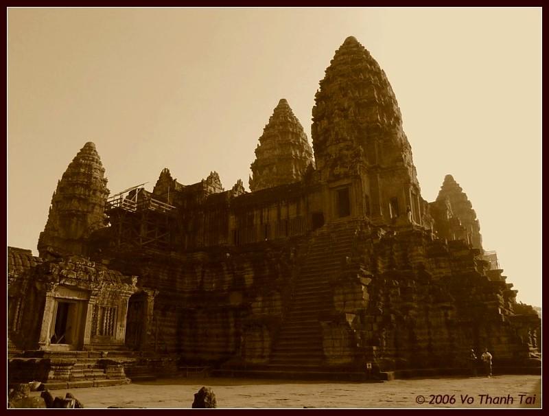 Main pyramid of Angkor Wat