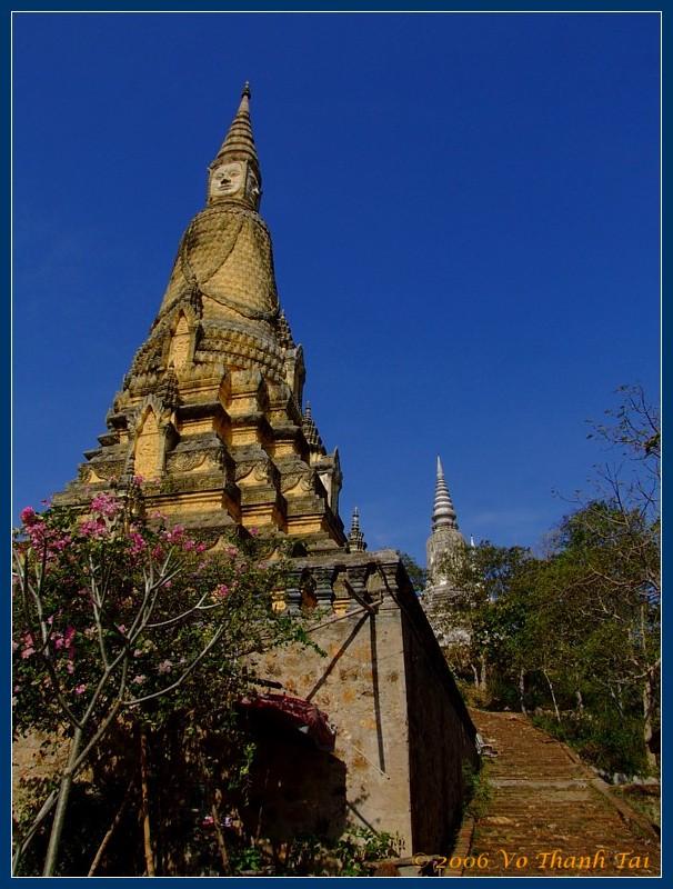 Oudongs original temple