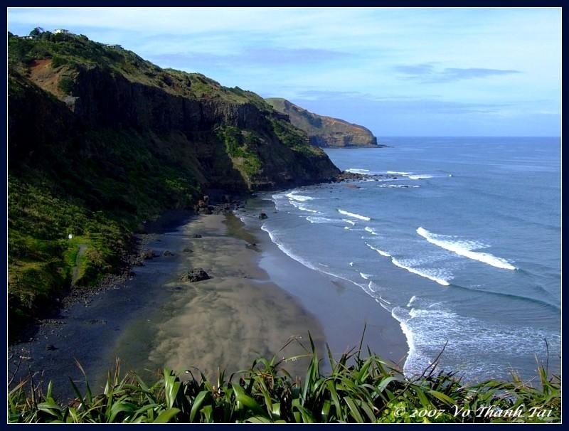 Muriwais black sand beach, North Island