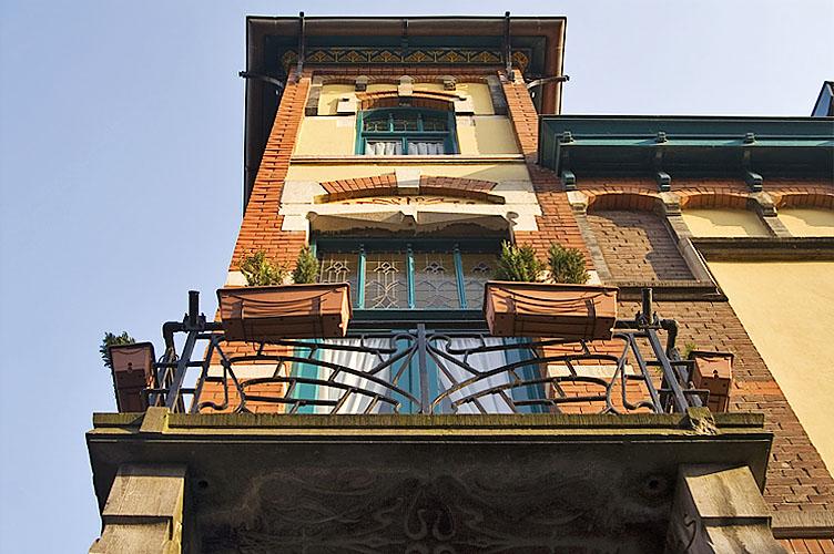 Art Nouveau façade 4