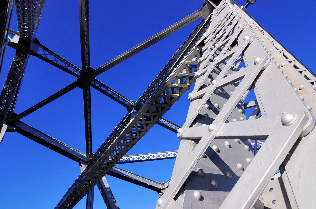 Point Street Bridge on December 20 2006.nef