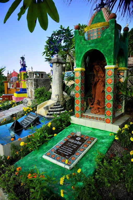 Picturesque Cemetery, Xcaret
