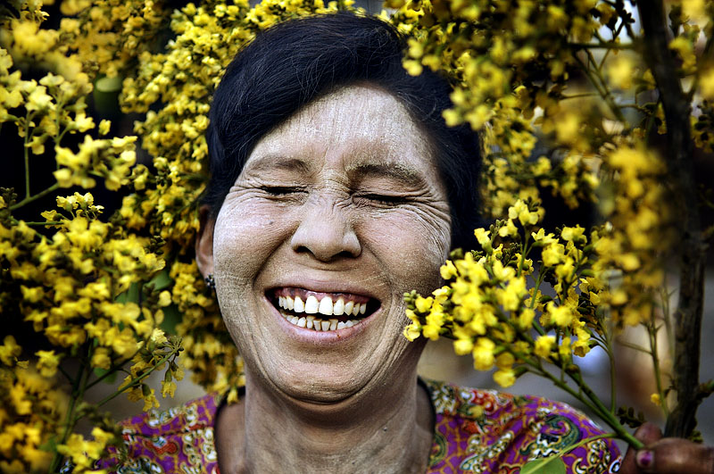 yellow giggle