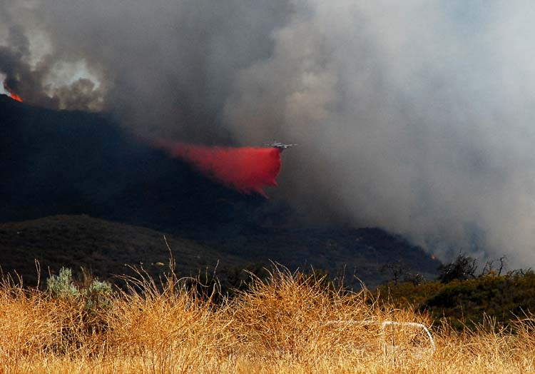 Tankers Dropping Fire Retardant