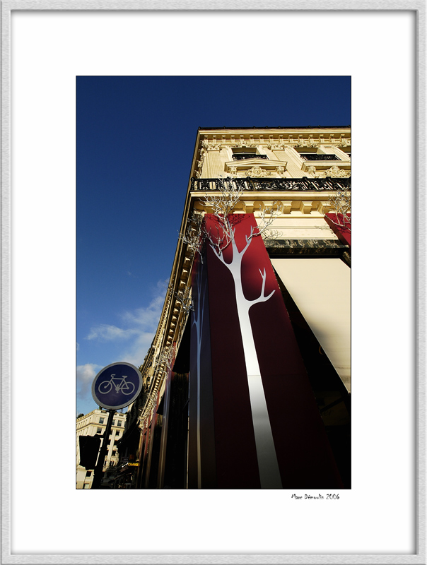 Cartier building on Champs Elysees