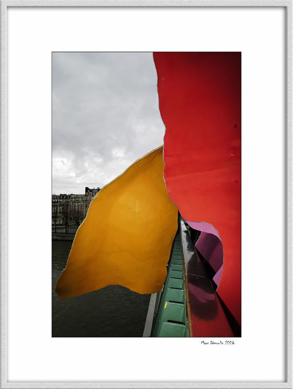 Modern sculpture on Gariglianos bridge 3
