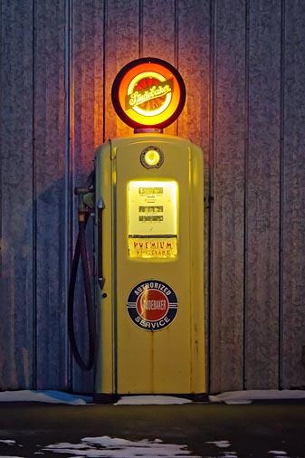 Antique Gas Pump 20101226