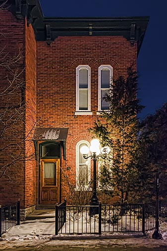 Townhouse At First Light 33100-3
