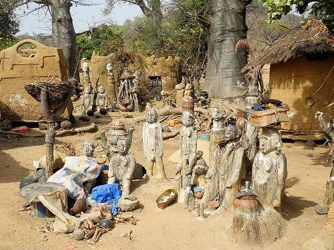 Fetishes in the compound of healer and soothsayer Sib Tadjalté  (Lobi) in Kerkera, Burkina Faso.