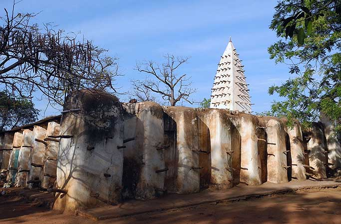 Mosque of Bobo-Dioulasso (Sudanese mud architecture, built 1880), Burkina Faso