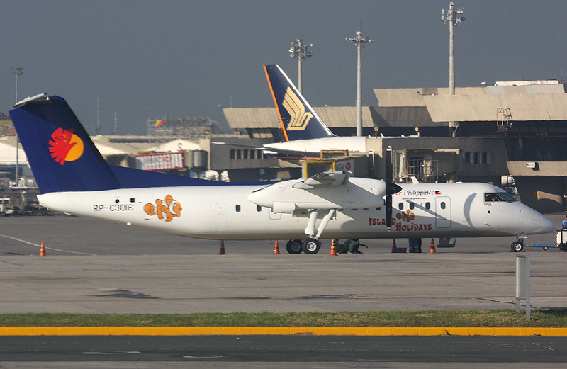 Air Philippines Island Holidays Bombardier DHC-8-314 Q300 RP-C3016