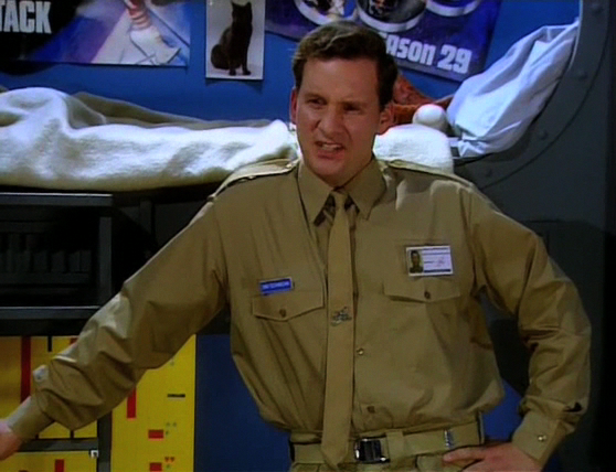 Red Dwarf S08E01 - Back in the Red (Part 1) 0871.jpg