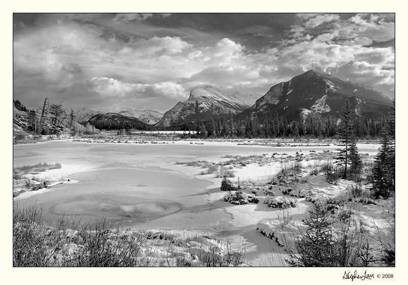 20031117_Banff 9822 16bit BW.jpg