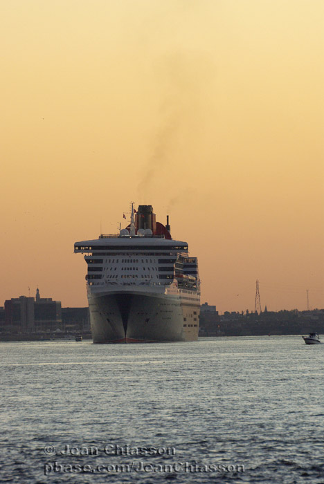 Queen Mary 2 ( Pavillon ) Royaume - Uni / Passagers 3,090