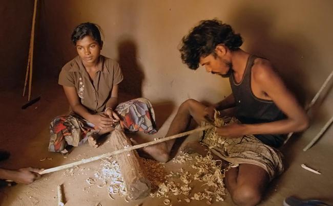 Vedda Bow Craftsman Sri Lanka