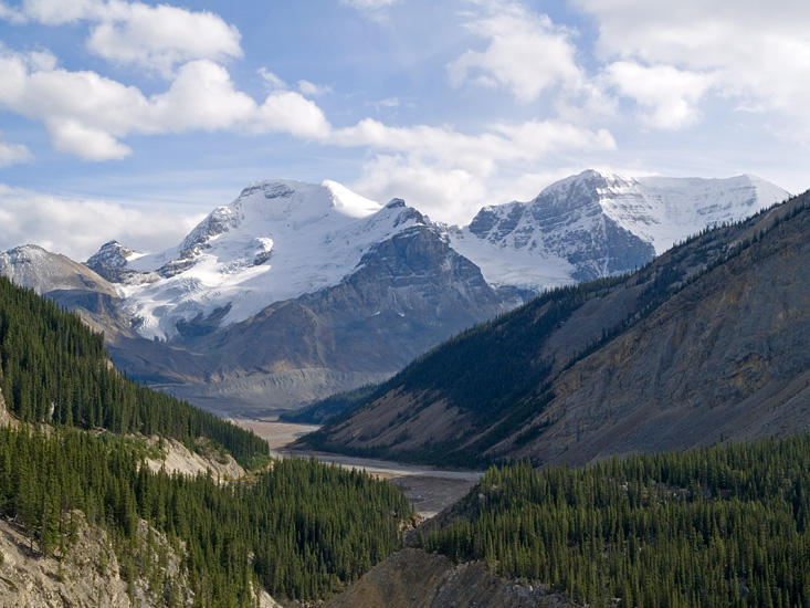Icefields Parkway looking back at Columbia Icefields