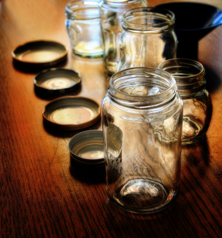The empty jars are waiting in line....