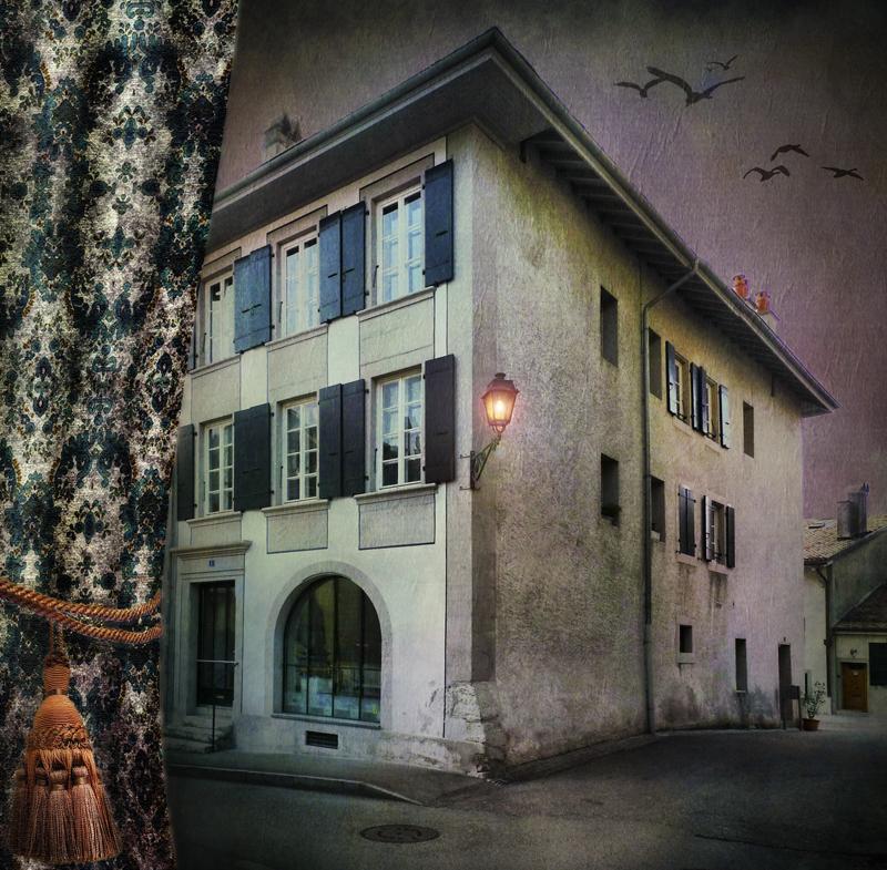 Behind the curtain a house…