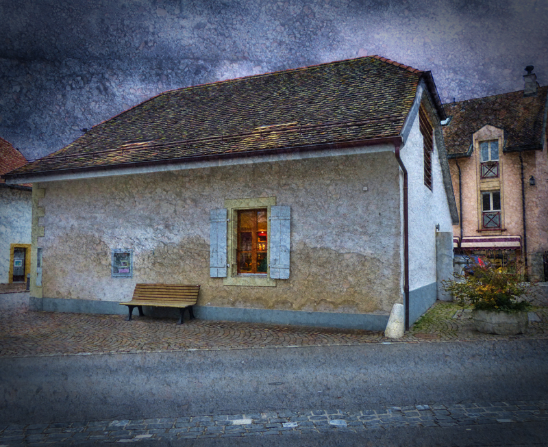 The house by the bench