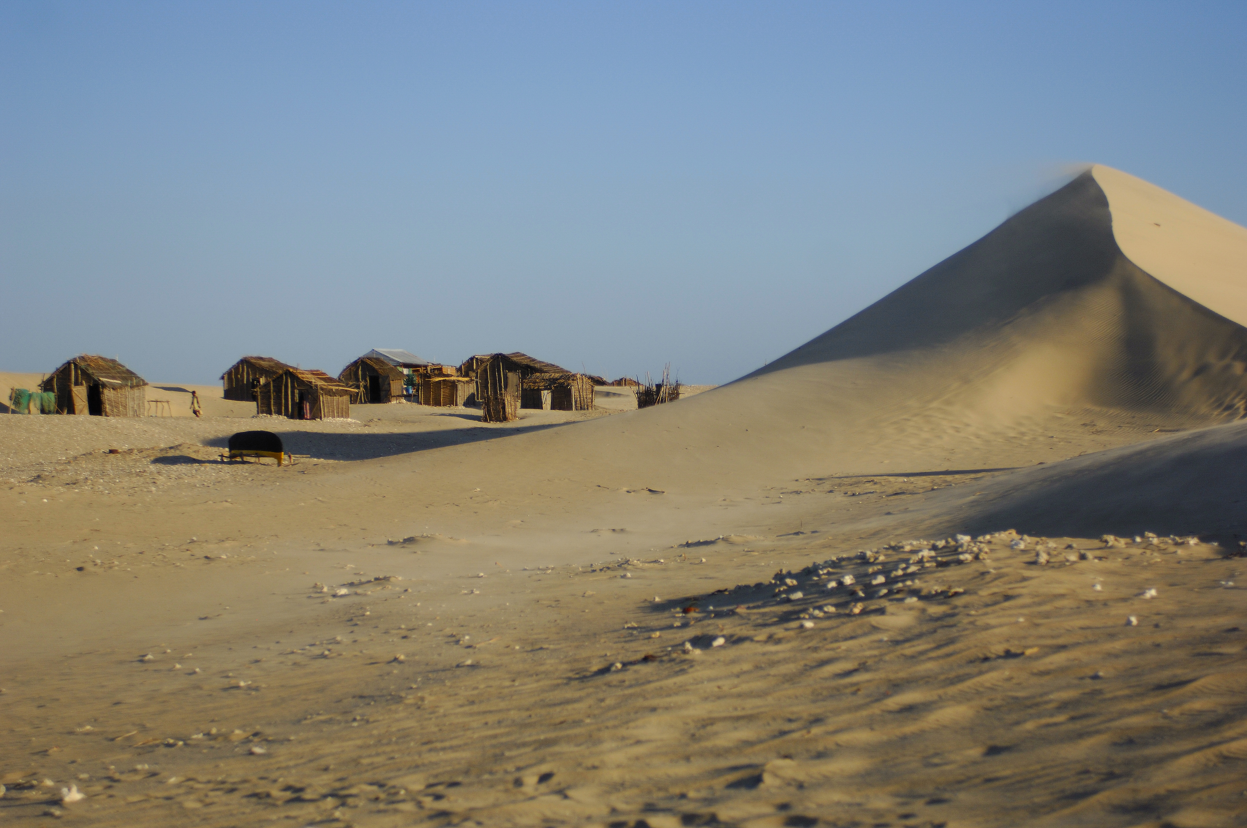 sandvillage.jpg