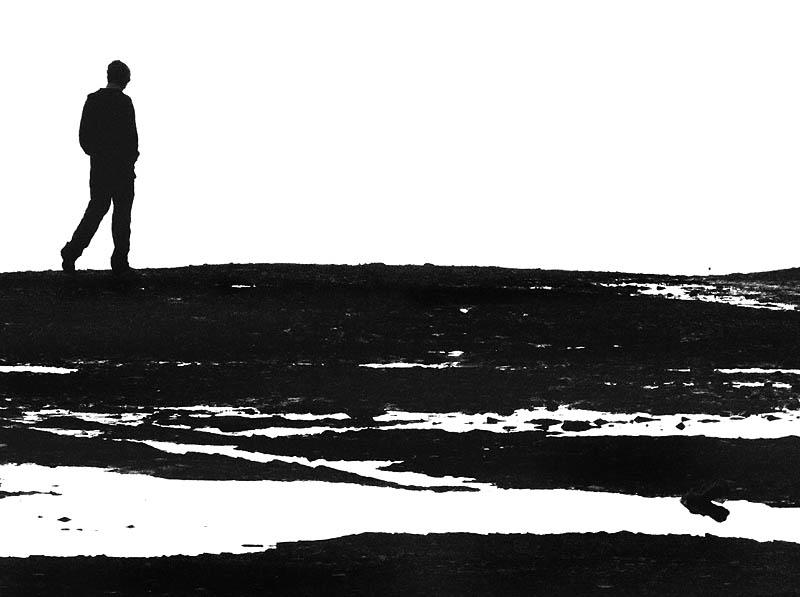 seul en noir et blanc